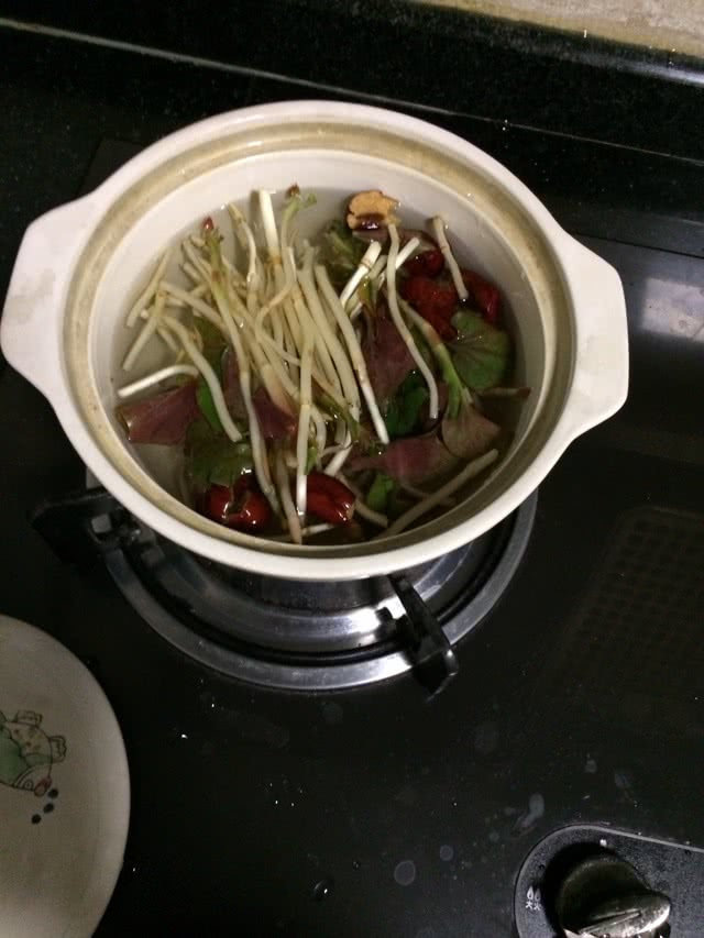 红枣鱼腥草汤的做法图解1