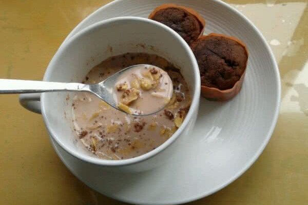 ♥巧克力牛奶玉米片早餐的做法
