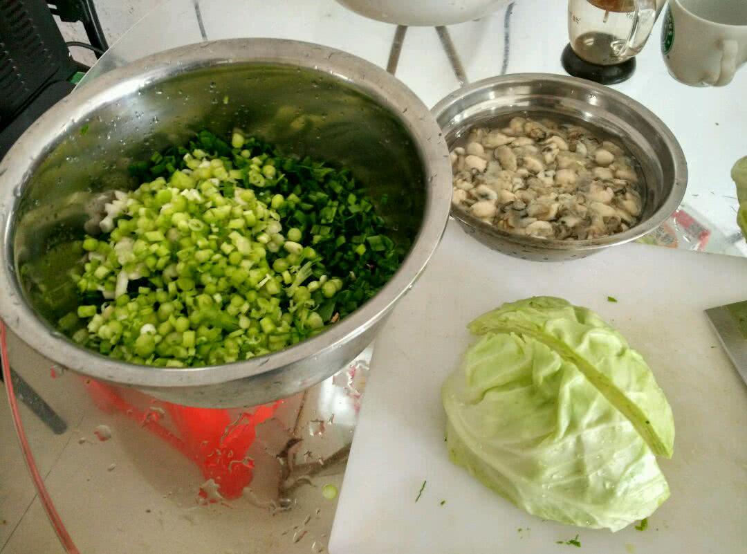 高丽菜海蛎煎的做法图解1