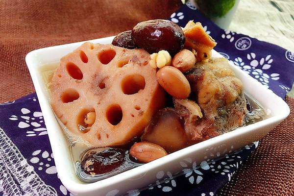 花生薏米红枣骨藕汤#花家味道#的做法