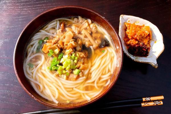 江西菌菇三鲜米线的做法 江西菌菇三鲜米线怎么做如何做好吃 江西菌