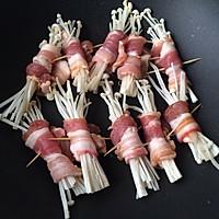 五花肉卷金针菇的做法<!-- 图解4 -->