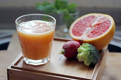 葡萄柚西兰花蔬果汁