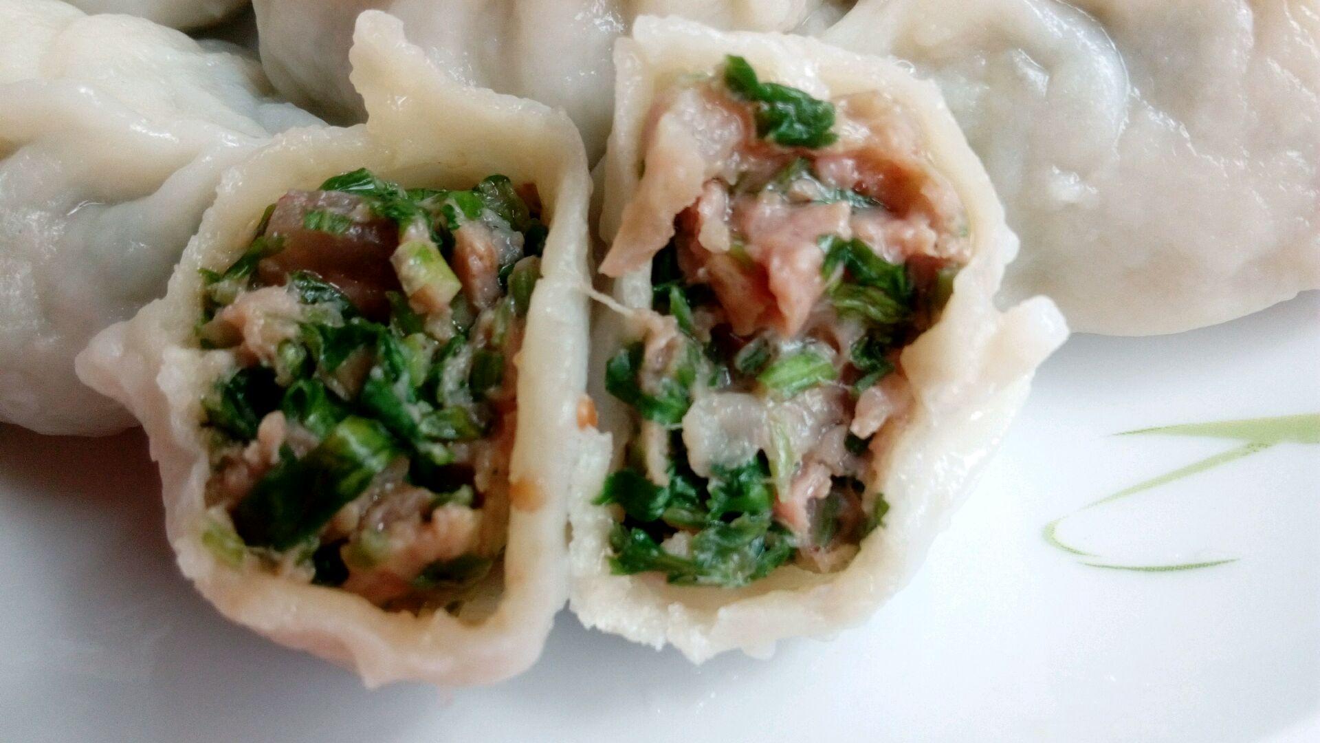 主料 面 香菜猪肉水饺的做法步骤