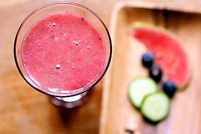 红芯芭乐黄瓜汁
