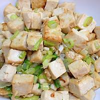 家常葱花炒豆腐