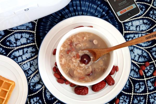 红枣花生二米粥