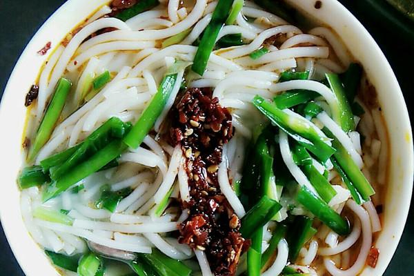 三鲜米线很简单的做法 三鲜米线很简单怎么做如何做好吃 三鲜米线很