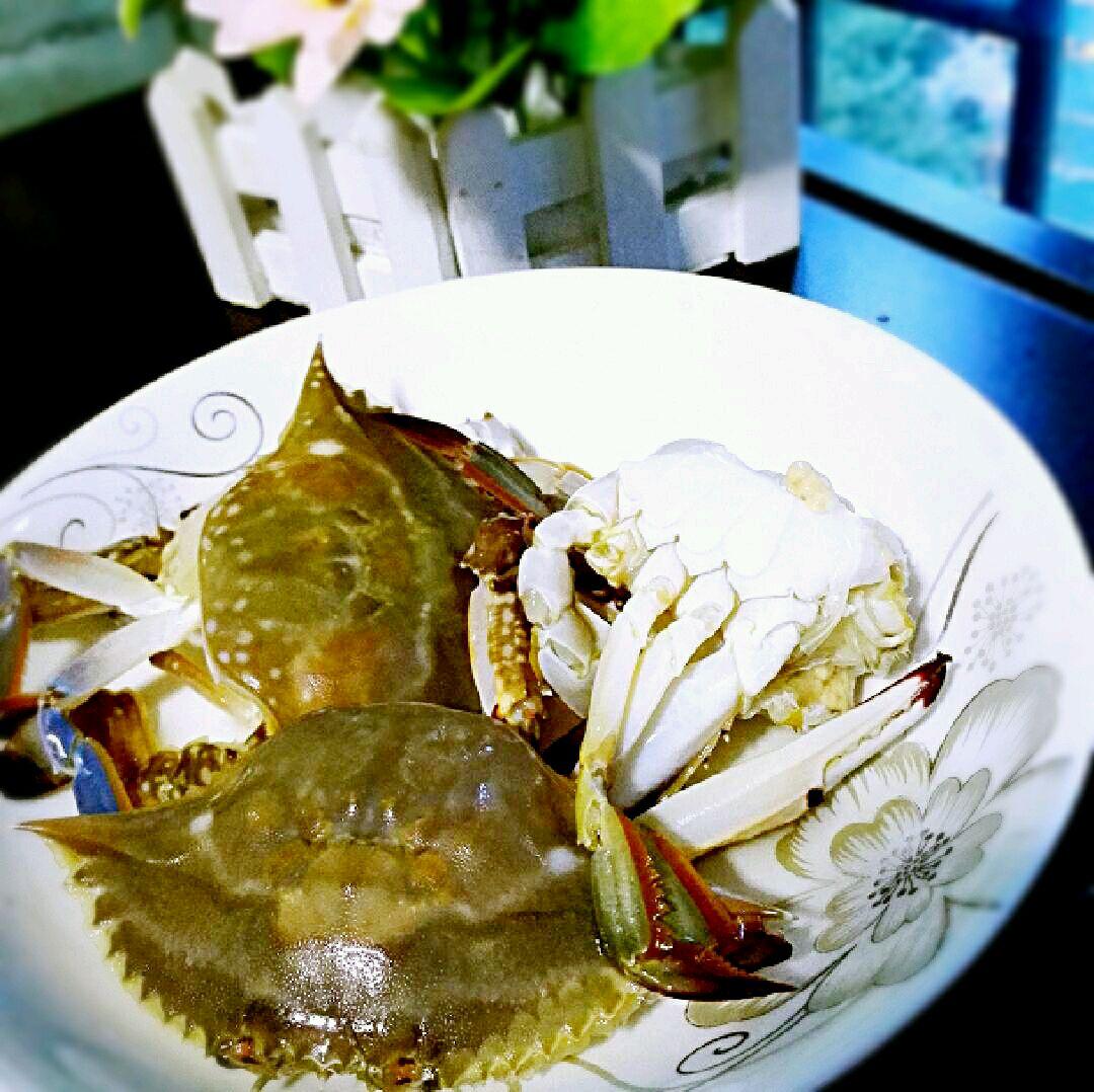三眼蟹白菜汤的做法图解1