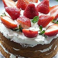 新鲜草莓季-草莓奶油蛋糕(零裱花难度)