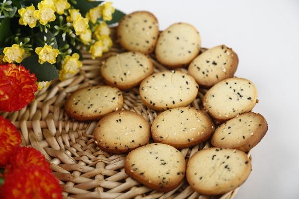 芝麻饼干做法(烤箱烤饼干)的做法图解13