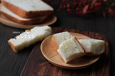 【软绵绵吐司】——超好吃的面包机一键吐司
