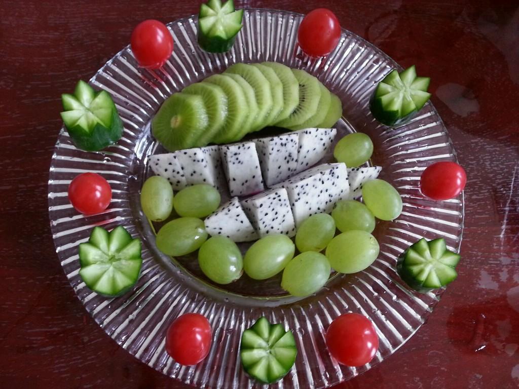 水果拼盘的做法图解1-简单易学的水果拼盘做法