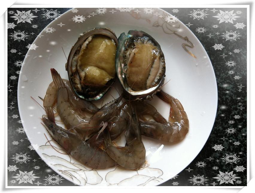姨的鲍鱼_鲍鱼虾仁番茄炒饭(红红火火过大年)