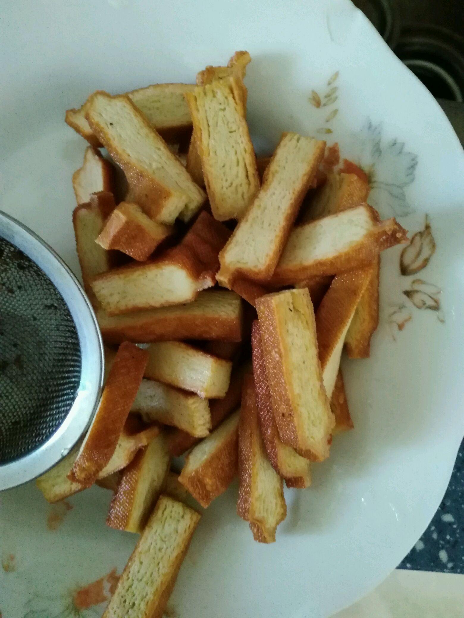 家常菜—快炒蒜苔香干的做法步骤
