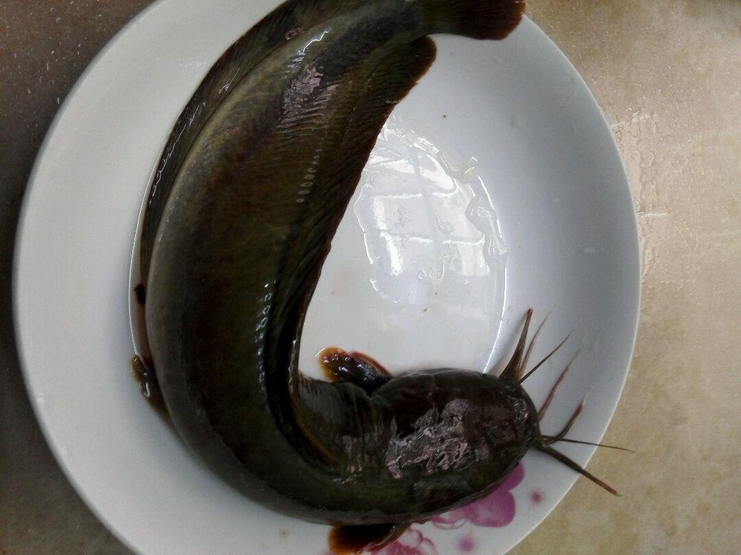 塘虱鱼焗瓦罉饭的做法图解2