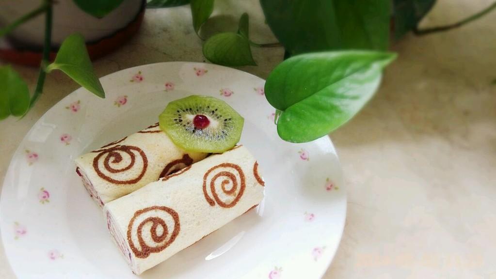 手绘天使蛋糕卷