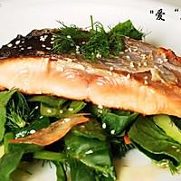 香煎三文鱼色拉