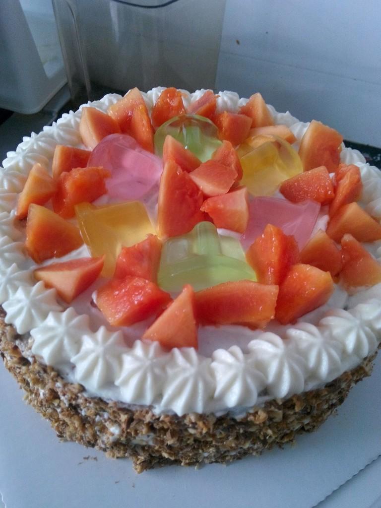 鲜奶巧克力水果蛋糕的做法图解5