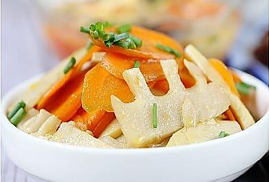 冬笋炒胡萝卜