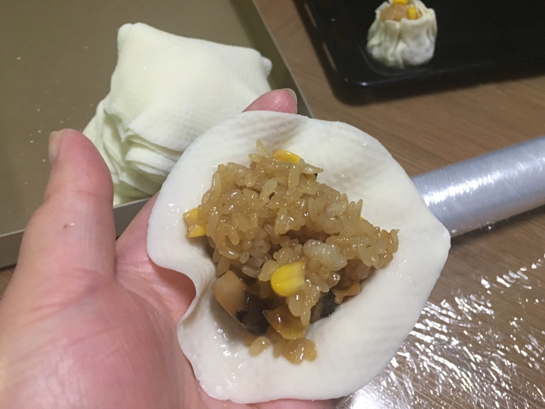 猪肉香菇玉米烧麦的做法图解12