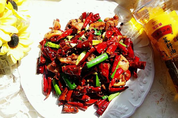重庆辣子鸡#金龙鱼外婆乡小榨菜籽油  最强家乡菜#的做法