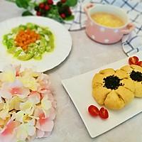 芝麻花朵面包