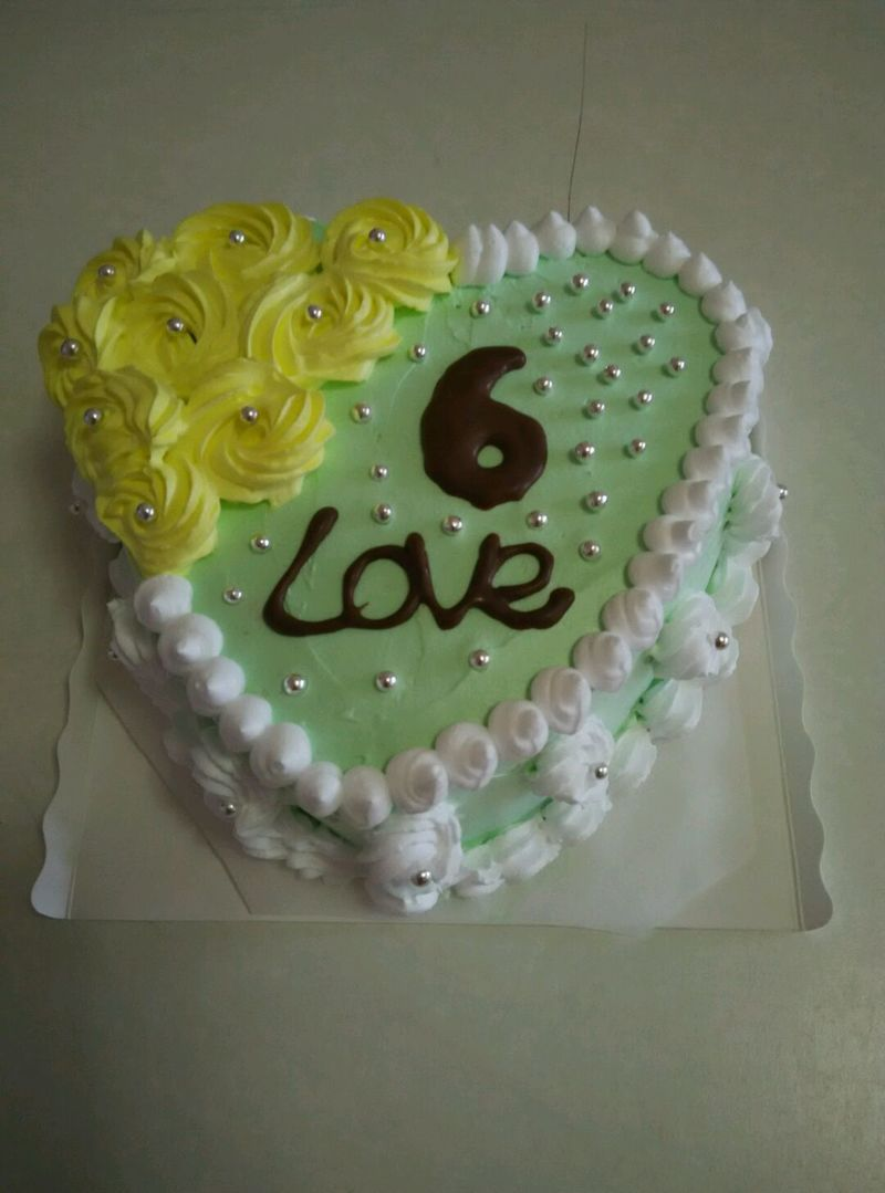 这是专门为自己6周年结婚纪念做的心形抹茶蛋糕     难度:掌勺图片
