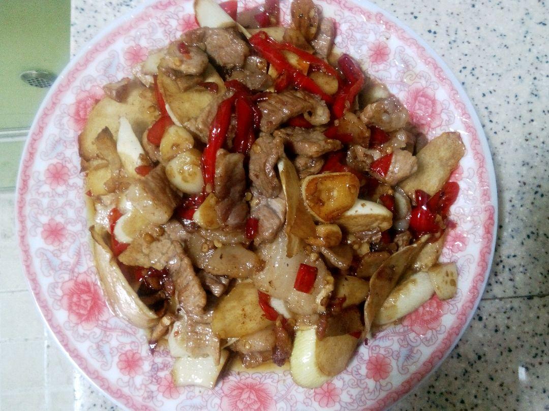 高笋炒肉的做法图解10