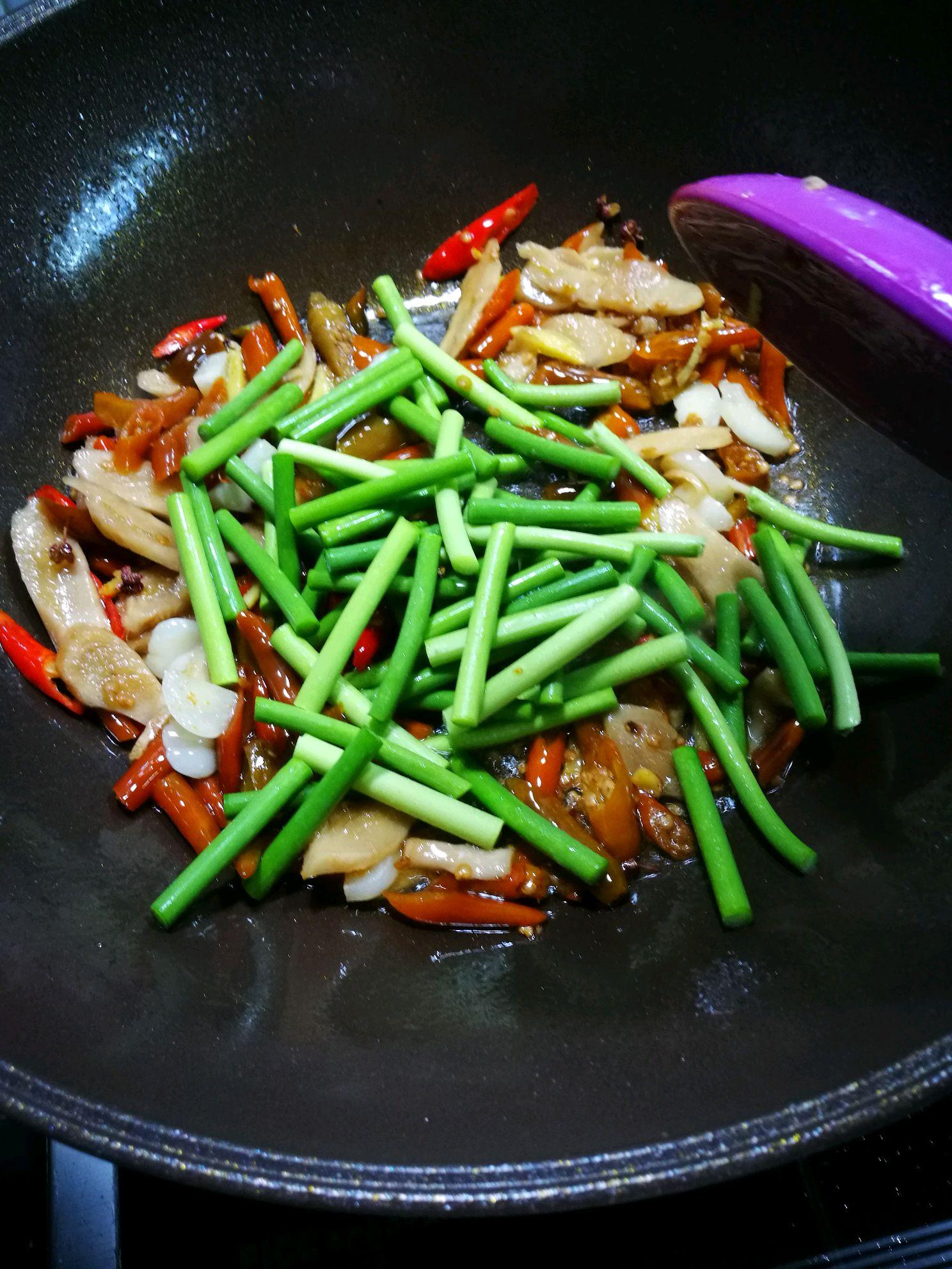 家常菜泡椒鳝鱼的做法图解3