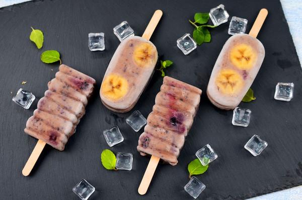 夏日DIY蓝莓香蕉雪糕