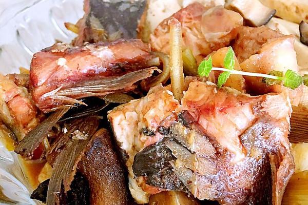 红烧鲟鱼的做法