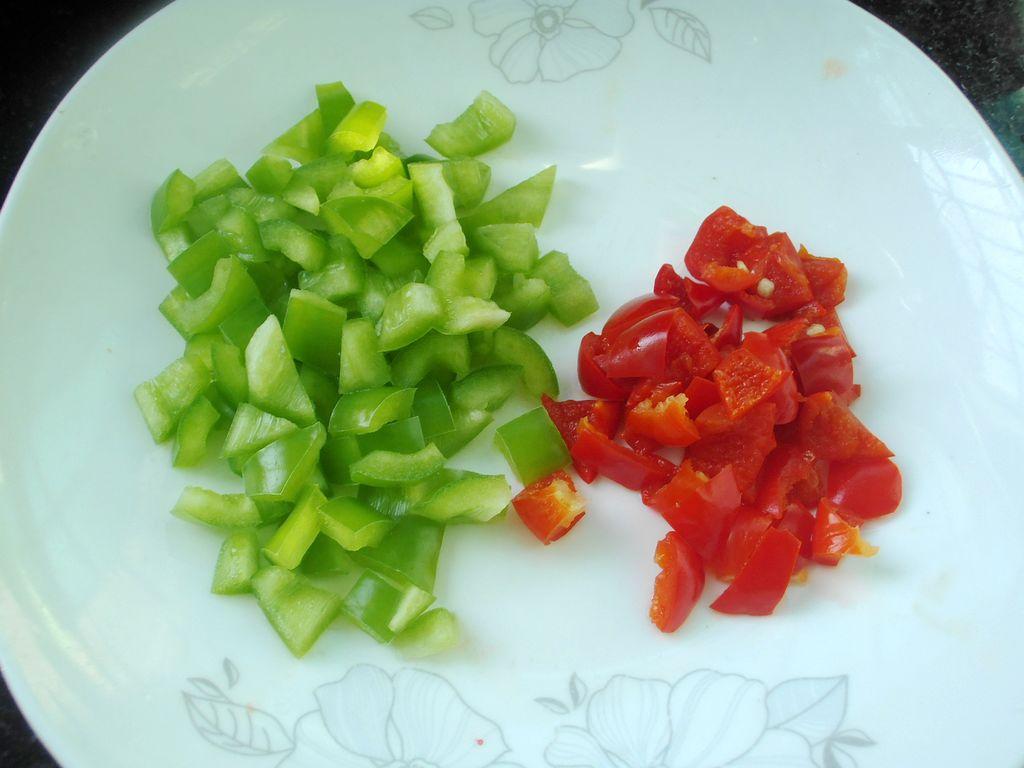 豌豆炒鸡的做法图解4