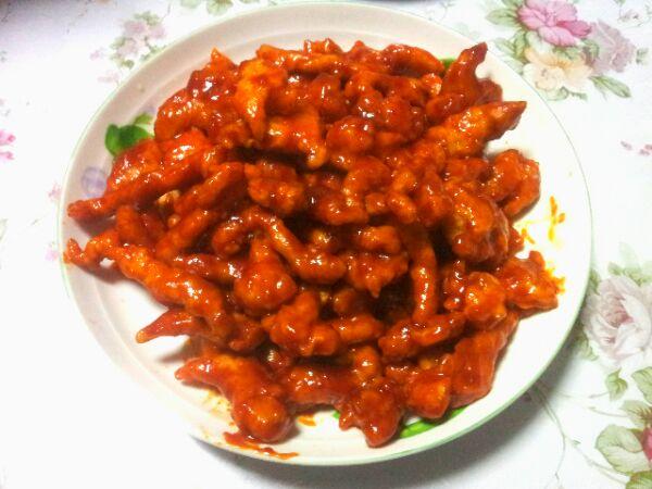 淀粉适量 面粉适量 醋一勺 糖三勺 番茄酱三勺 糖醋里脊的做法步骤 1.