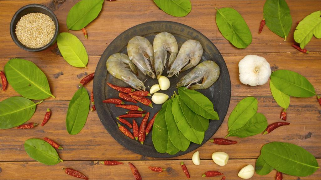 柠檬叶香辣虾|美食台的做法图解1