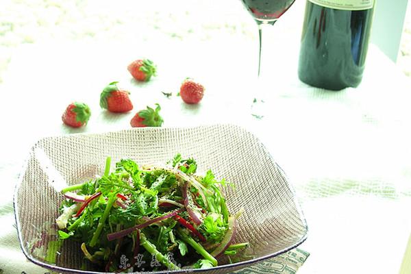 葡萄醋茼蒿沙拉的做法