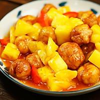 你能猜到,最正宗的咕咾肉,是用肉片裹成的肉球?——菠萝咕咾肉