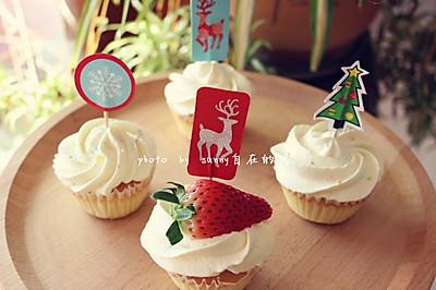 海绵纸杯蛋糕~圣诞节心爱小点心#九阳烘焙剧院#
