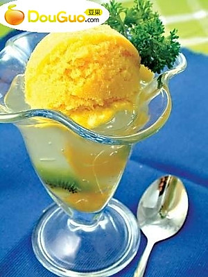 如何做柠檬冰淇淋_做柠檬冰淇淋的步骤_柠檬冰淇淋_豆