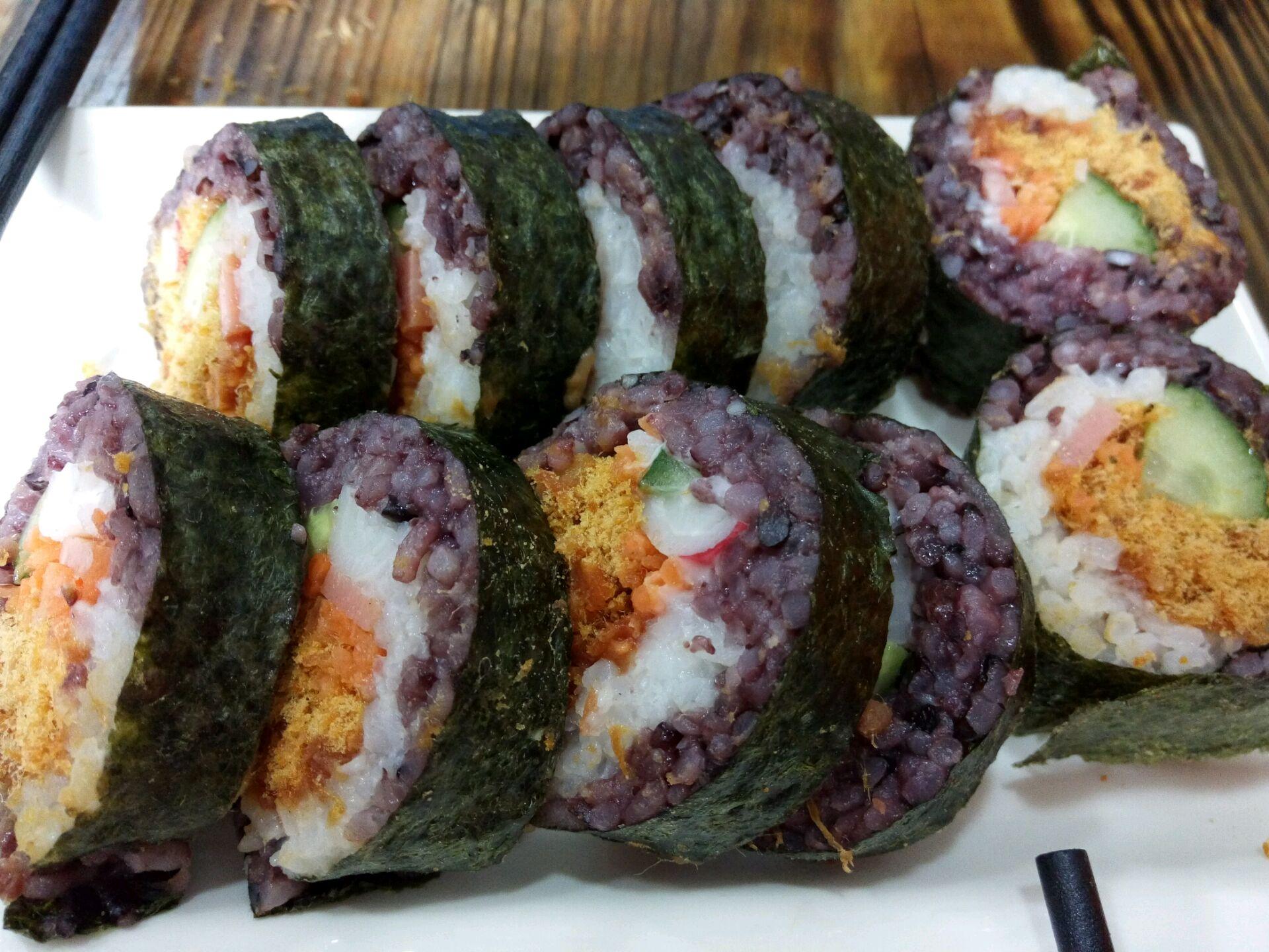 双色寿司的做法_【图解】双色寿司怎么做如何做好吃