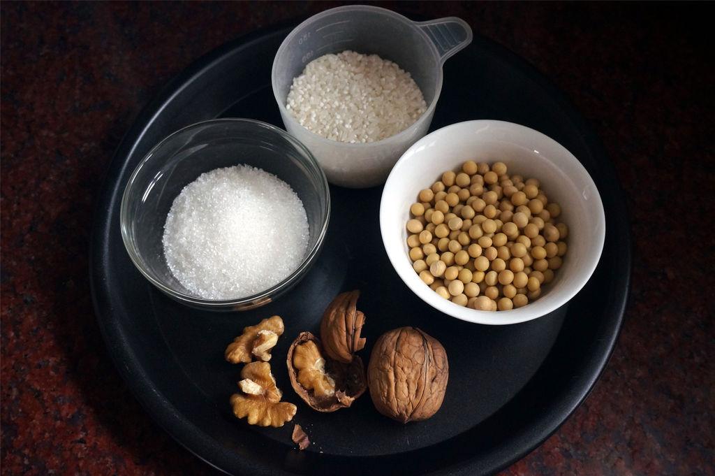 核桃大米豆浆的做法步骤