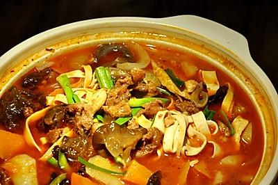 羊肉臊子砂锅煮