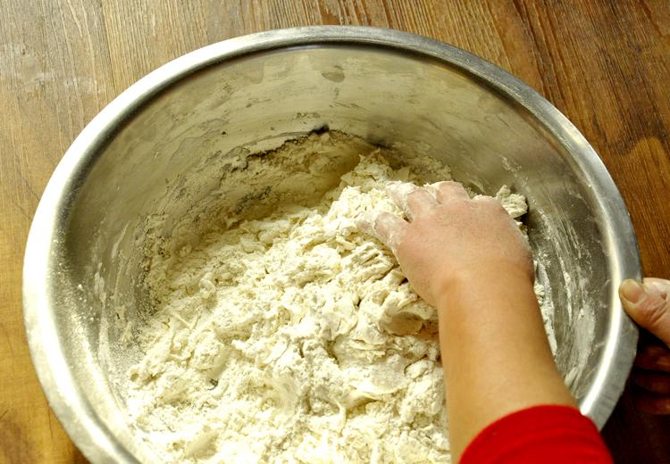 虾仁韭菜猪肉水饺+和面擀皮的做法步骤