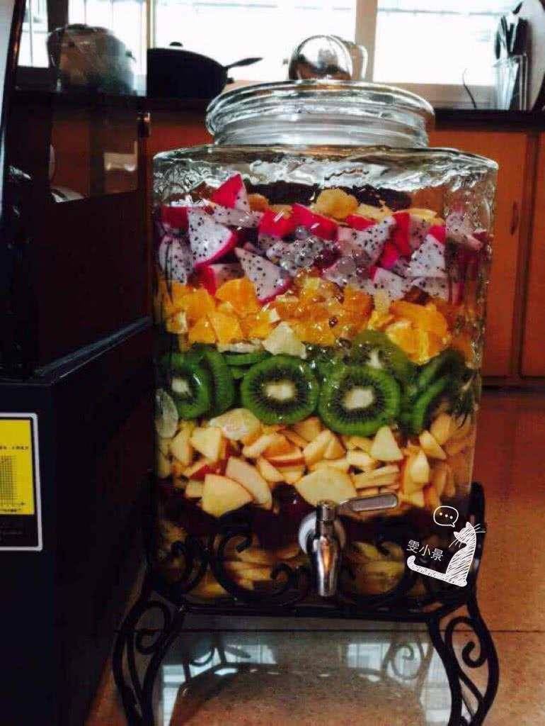 主料 各种新鲜水果可以根据自己喜欢的口味来定 水果酵素素的做法步骤