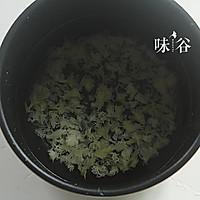 桂圆红枣莲子银耳羹的做法图解3