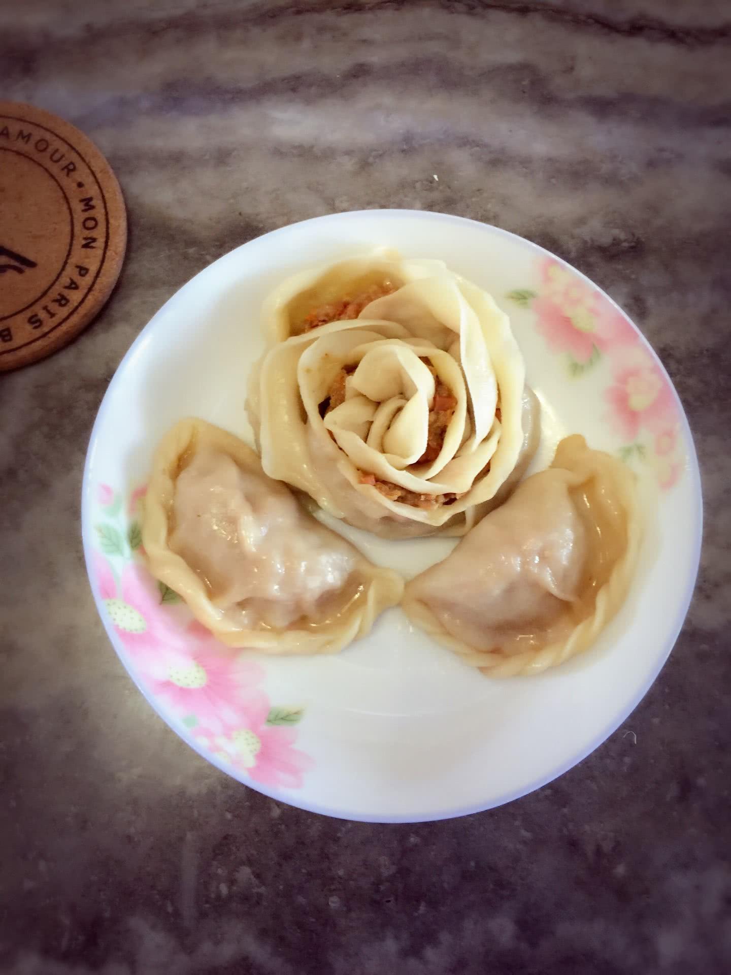 玫瑰花饺子 --宝宝们七夕快乐哦~的做法图解12