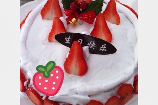 阿迪锅生日蛋糕的做法