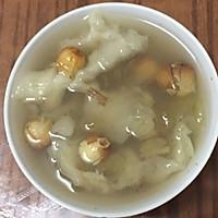 花胶莲子皀角米炖冰糖