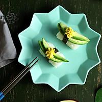 鳄梨蛋黄握寿司