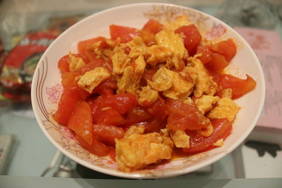 """简易西红柿炒鸡蛋的做法步骤图,怎么做好吃(图3)  简易西红柿炒鸡蛋的做法步骤图,怎么做好吃(图5)  简易西红柿炒鸡蛋的做法步骤图,怎么做好吃(图7)  简易西红柿炒鸡蛋的做法步骤图,怎么做好吃(图10)  简易西红柿炒鸡蛋的做法步骤图,怎么做好吃(图12)  简易西红柿炒鸡蛋的做法步骤图,怎么做好吃(图14) 为了解决用户可能碰到关于""""简易西红柿炒鸡蛋的做法步骤图,怎么做好吃""""相关的问题,突袭网经过收集整理为用户提供相关的解决办法,请注意,解决办法仅供参考,不代表本网同意其意见,如有任何问题请与"""